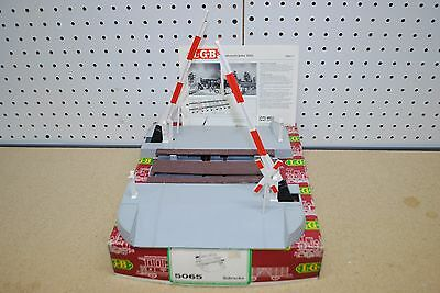 LGB 5065 (50650) Barrier Level Operating Crossing Gate *G-Scale*