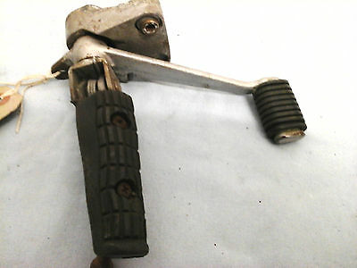 Yamaha FZ 600 front right foot rest hanger and rear brake pedal