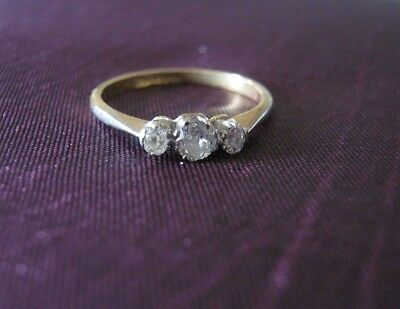 Vintage 18 carat gold and platinum engagement ring with 3 diamonds. Size Q