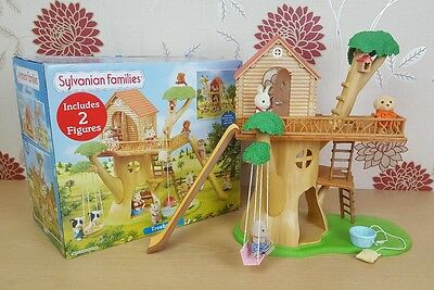 SYLVANIAN Families Treehouse Dolls House 4618 with 3x figures BOXED