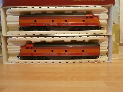 Rivarossi Ho/oo Gauge Gm Emd E-8 Southern Pacific Diesel Electric New Condition