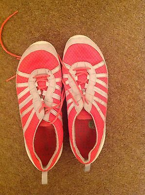 Lovely Ladies Ecco Trainers Size 6.5
