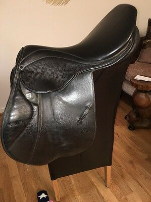 17.5 Inch Stubben Edelweiss Deluxe Close Contact Jumping Saddle Wide Width