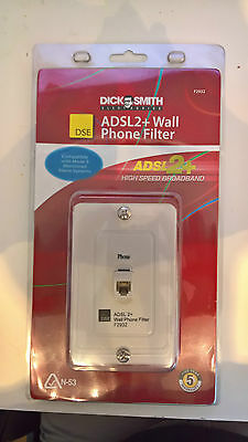 Dick Smith ADSL2+ In-line filter/splitter wall plate F2932
