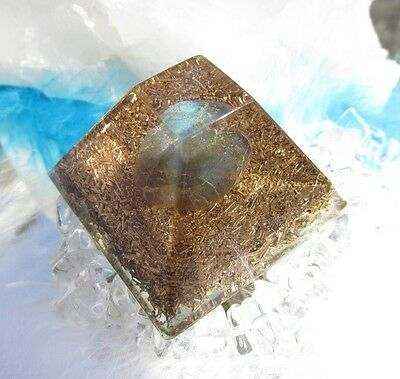 Secret of the stone - Healing Orgonit with natural Labradorite