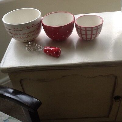 Lovely Vintage /shabby Chic   Mixing Bowls And Whisk  Set ...