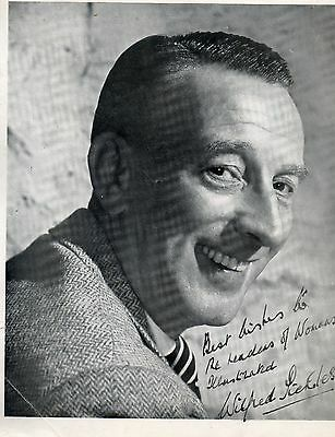"""Photograph Of """"wilfred Pickles """" With Facsimile Dedication And Signature"""