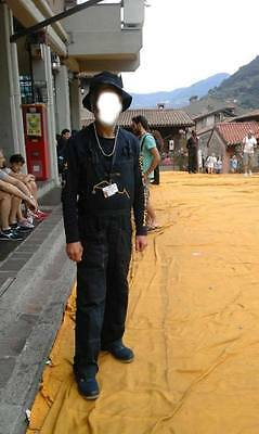 """Christo and Jeanne-Claude's complete """"Floating Piers"""" outfit"""