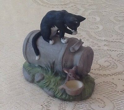 Cat  and mouse ornament . alfretto porcelain