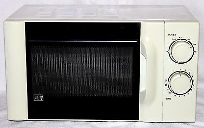 Currys 700w Microwave Oven (Very Good Condition, Full Working Order + Cheap!)