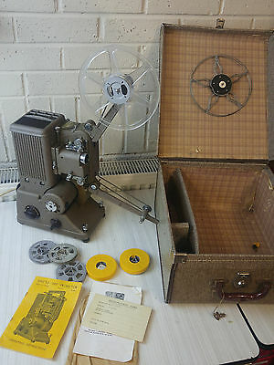 Vintage Specto 500 8/16mm Projector with original case & manual