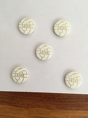 Luton Town.   Lot Of 5 Tin Badges 1960s