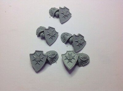 5 X Forgeworld WH 30k/40k Imperial Fist Combat / Storm Shield + Arms Bits