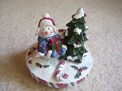 """Yankee Candle Snowman And Tree 3.5"""" Candle Topper"""