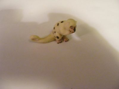 Collectable Yowie figurine Cuscus (I think) No. 19 cream with brown spots