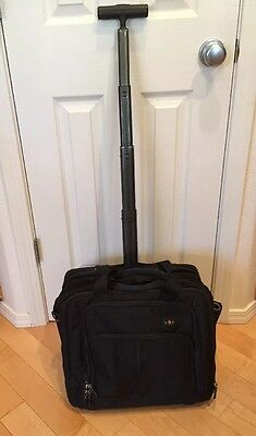 Victorinox Architecture 2 Black Rolling Werks Black Wheeled Expandable Briefcase