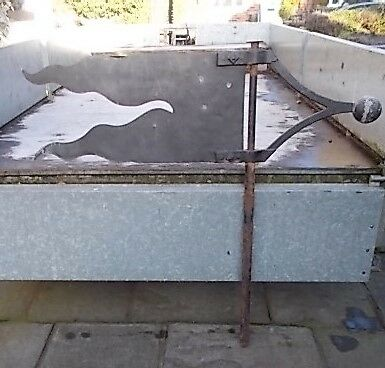 Antique Cast Iron & Copper Weathervane in good condition.
