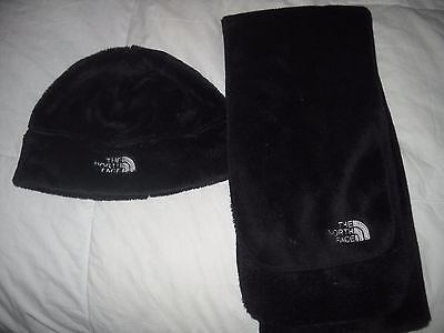 The North Face Black Fleece Children's Scarfk And Hat Set