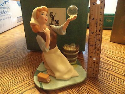 """Disney WDCC Figurine CINDERELLA """"They Can't  Stop Me From Dreaming"""" W/ COA & BOX"""