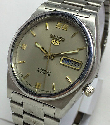 Genuine Vintage Seiko 5 Automatic 17 Jewels Day-Date Mens Excellent  Wrist Watch