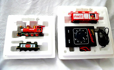 THE COCA COLA HOLIDAY LOCOMOTIVE By Hawthorne Village ***MINT IN BOX***