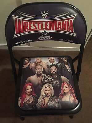 WWE WRESTLEMANIA 32 Steel Chair plus cap, bag and book