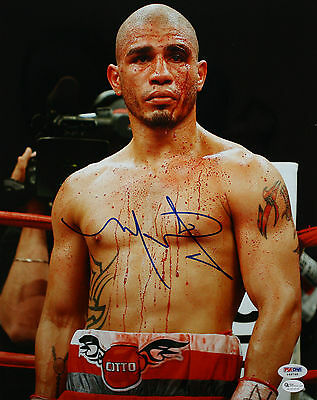 World Boxing Champ Miguel Cotto Signed Covered In Blood Boxing Photo Psa/dna