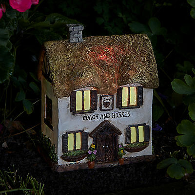 Smart Solar Coach & Horses Guest House Solar Lighting Ornament Elvedon Range