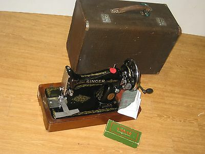 Singer Cast Iron 99K Converted Hand Sewing Machine With Wooden Case & Key