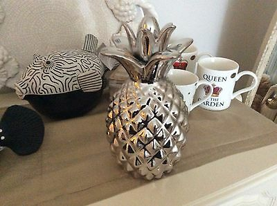 Beautiful Silver Glazed Pineapple - Display Ornament Home Design Style