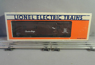 Lionel O Scale 6-5728 CP Canadian Pacific Bunk Car (Illuminated) NEW in box