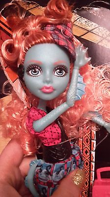 Monster High Exchange Program Lorna McNessie Fashion Action Figure Doll Outfit