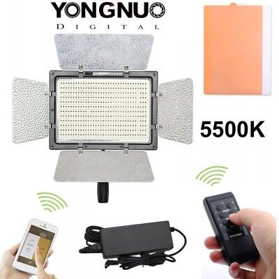 Panel Led Yongnuo YN-900 5500k con cable AC y mando