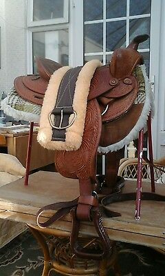 Tooled Leather Western Saddle With Cinch And Saddle Pad Complete Set