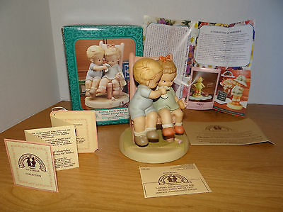 Memories Of Yesterday LOVING EACH OTHER IS THE NICEST THING WE'VE GOT Figurine