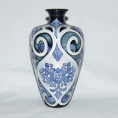 Moorcroft Forget Me Not Blue Vase Kerry Goodwin 6 Inches Box Dvd