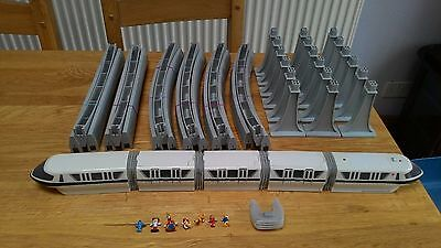 Walt Disney World Playset  Monorail with 7 Disney figures Collectable and Rare