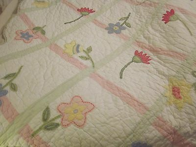 Pottery Barn Kids Twin Size Quilt Flowers White Pink Green Cotton Comforter
