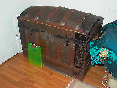 "Giant hump back steamer chest trunk 38"" long 22"" wide 30 tall needs love no tray"