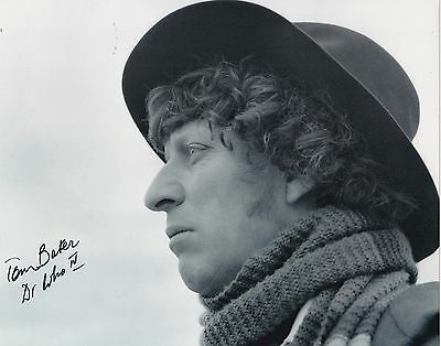 Tom Baker The 4Th Doctor Signed 8X10 B&w Photo Bbc Doctor Who Autograph
