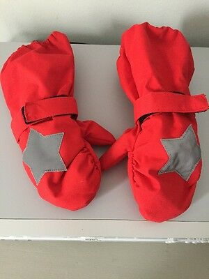NWOT Molo Boys Or Girls Red & Silver Star Ski Mittens, 1-2 Years. Never Worn