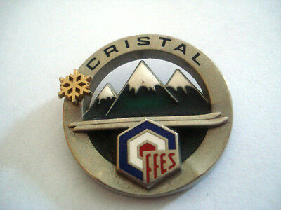 INSIGNE SKI ECOLE INTERNATIONALE CRISTAL FFES par FOURNIER - sans épingle -