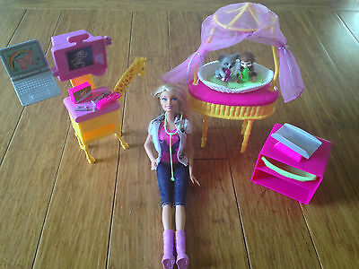 EUC Barbie I Can Be a Zoo Doctor Dr Vet  Animal Hospital