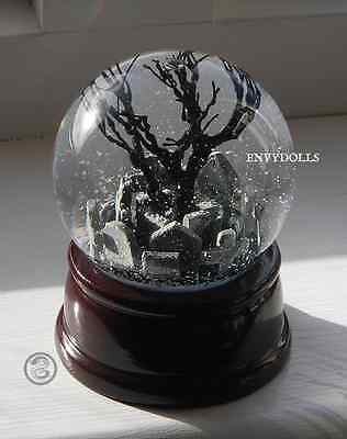 THE CROW Eric Draven Gothic Graveyard detailed Snowglobe; (LARGER version)