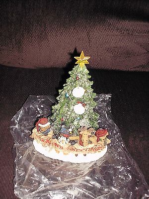 Boyds Bears Theo and Friends Happy Holiday Christmas Tree Merry Seasons Greeting