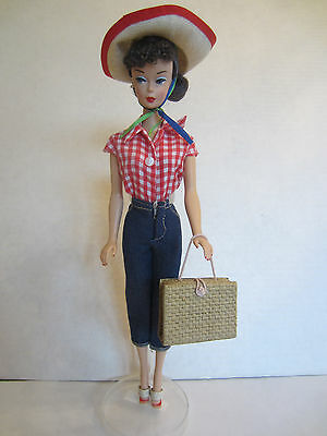 REPRODUCTION Picnic Set Fashion with Brunette Barbie