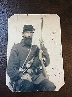Civil War US Soldier with Military Rifle tintype C916RP