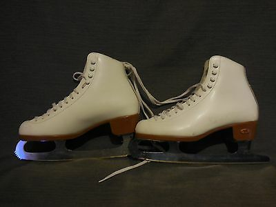 Great Condition - White Riedell Model 121W LV Women's 5-1/2 Ice Skates