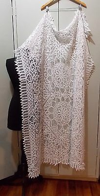 Immaculate Vintage 1980s White Cotton Battenberg Lace 116cm By 160cm Tablecloth