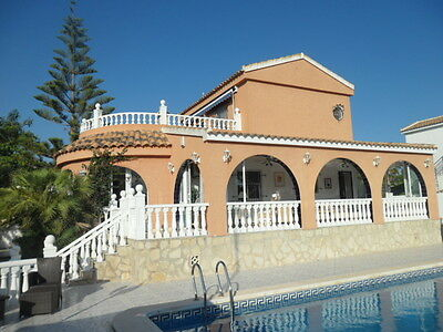 Beautiful Villa, Private Pool, Games Rm - 8 Nights  25th March & 2nd April £575